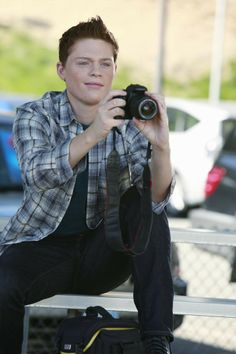 sean bradly from switched at birth | switched at birth your body is a battleground both daphne and bay have ...
