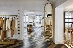 Humbert & Poyet adopts an opulent art deco style for the 55 Croisette boutique - News - Frameweb