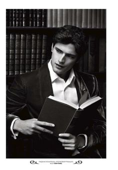 Kinda the perfect guy Sean O'pry, Beautiful Boys, Pretty Boys, Cute Boys, Beautiful Person, Foto Portrait, Leather Bound Books, The Secret History, Poses For Men