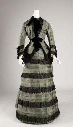 Victorian dress 1870 #historical #costume