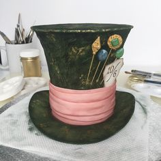 Mad Hatter's Hat Topper tutorial