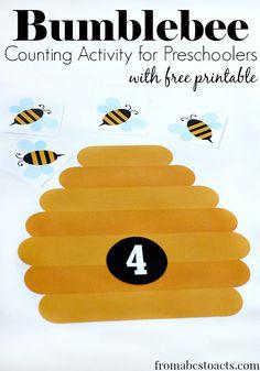 Preschool Math Activities: Printable Bumblebee Counting via Counting Activities For Preschoolers, Bee Activities, Preschool Themes, Preschool Lessons, Preschool Activities, Children Activities, Preschool Books, Classroom Themes, Bee Theme