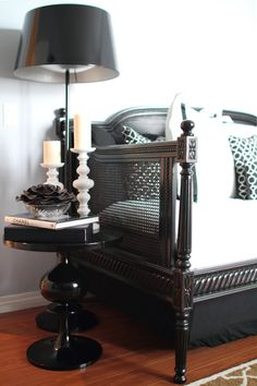 black and white nook. furniture ~ table ~ lamp.