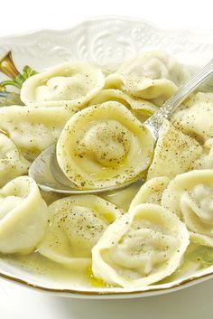 Ricotta-spinach and ricotta-pumpkin ravioli - Healthy Food Mom Gourmet Recipes, Appetizer Recipes, Cooking Recipes, Healthy Recipes, Ukrainian Recipes, Russian Recipes, My Favorite Food, Favorite Recipes, Best Dinner Recipes