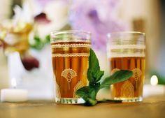 TE A LA MENTHA Morrocan Food, Moroccan Decor, Tea Culture, Mint Tea, Chocolate Fondant, Easy Delicious Recipes, Arabic Food, Cake Shop, Tea Recipes