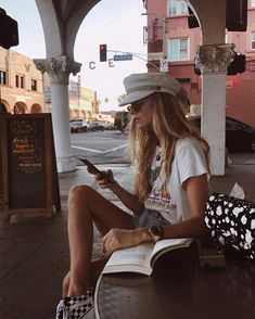 we love fashion Disney Instagram, Instagram Girls, Only Shorts, Summer Outfits, Cute Outfits, Ootd, Portraits, Street Style, Style Vintage