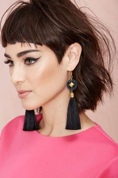 trendy ideas for hairstyles short bangs undercut Lob Haircut, Short Haircut, Short Bob Hairstyles, Hairstyles With Bangs, Trendy Hairstyles, Short Undercut, Undercut Hairstyles, Side Undercut, Medium Hair Styles