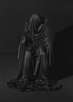 Dark Photography, Black And White Photography, Photography Topics, Conceptual Photography, Photo Images, Dark Fantasy Art, Shades Of Black, Macabre, Black Art