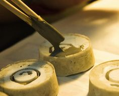 the making of: concrete rings by 22 design studio