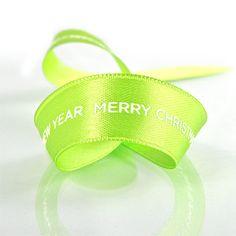 apfelgrüne Geschekbänder für erfrischende Weihnachtsgrüße #image #schleifenband #satinband #banddruck #logoband #bandweberei #ribbons #imageribbons #satinribbons #namensbaender #geschenkband #packaging #createam #freiburg