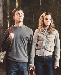 Harry Potter and the Order of the Phoenix harry hermione Harry Potter Hermione Granger, Harry James Potter, Harry Potter Tumblr, Harry Potter World, Harmony Harry Potter, Images Harry Potter, Harry Potter Icons, Harry Potter Ships, Harry Potter Cast