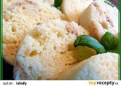 Hrnkové knedlíky z mikrovlnky recept - TopRecepty.cz Bread, Food, Breads, Hoods, Meals, Bakeries