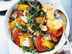 Ugnsstekt zucchini, potatis & tomat Receptbild - Allt om Mat