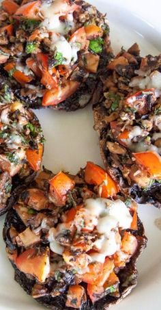 Grilled Herb and Tomato Stuffed Portabella Mushrooms - Back to Her Roots stuffed_mushrooms_with_cream_cheese, bread crumbs Mushroom Dish, Mushroom Recipes, Vegetable Recipes, Vegetarian Recipes, Cooking Recipes, Healthy Recipes, Mushroom Burger, Grilled Portabella Mushrooms, Grilled Stuffed Mushrooms