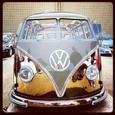 Gold doesn't rust, wish I could afford Volkswagon Van, Volkswagen Minibus, Volkswagen Logo, Volkswagen Models, Volkswagen Beetles, Volkswagen Vintage, Vw Vintage, Bus Camper, Campers