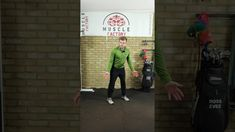 How to control the shoulder in the golf backswing #SHORTS Website – Twitter – Facebook – About Ross Eves Golf Ross Eves Golf is all about improving your golf. From golf fitness, to golf biomechanics to beginner's golf tips! So, what's my background? Well, as most professional golfers my dream was to play professionally. However, [...] The post How to control the shoulder in the golf backswing #SHORTS appeared first on FOGOLF.
