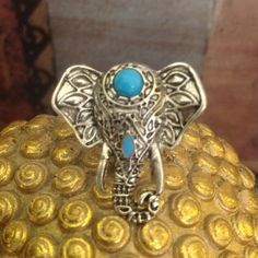 Elefant Ring in A Silver Tone Setting NWOT!!Elefant Ring with Turquoise Color Accents in a Silver Tone Setting Jewelry Rings