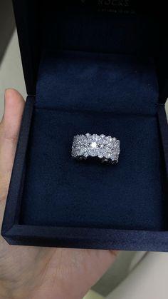 Fancy Jewellery, Stylish Jewelry, High Jewelry, Jewelry Rings, Ring Design In Gold, Gold Ring Designs, Sterling Silver Diamond Rings, Gold Diamond Rings, Diamond Jewelry