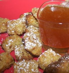 French Toast Fondue Recipe - Fun breakfast idea to do with kids or even a kids party ! French Toast Fondue Recipe - Fun breakfast idea to do with kids or even a kids party ! Breakfast Recipes, Dessert Recipes, Breakfast Ideas, Morning Breakfast, Breakfast Smoothies, Fondue Raclette, French Toast Bites, Fondue Recipes, Kabob Recipes