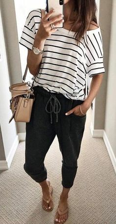 This is how you always look stylish - Kleidung für Frauen - Cute Outfits Spring Summer Fashion, Spring Outfits, Casual Summer Outfits Women, Summer Pants Outfits, Casual Comfy Outfits, Casual Summer Fashion, Black Summer Outfits, Summer Art, Summer Travel Outfits