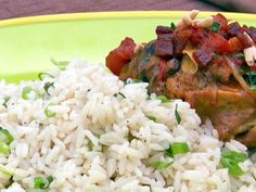 Throwdown's Country Captain Chicken recipe from Bobby Flay via Food Network with coconut rice and green onions Onion Recipes, New Recipes, Chicken Recipes, Cooking Recipes, Favorite Recipes, Recipies, Atkins Recipes, Turkey Recipes, Dinner Recipes