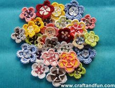 Crochet button flowers, with tutorial.