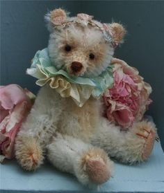 Wee Scone's mohair traditional miniature bear Faded Rose 3.75 inch (from Scotland)