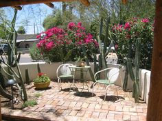 Guest house front patio