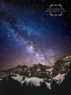 CATALONIA Stellar theater of the meadow of Cadí. The center of the galaxy rises majestically above the mountains. Milky Way, Theater, Northern Lights, Mountains, Cat, Nature, Fotografia, Theatres, Aurora
