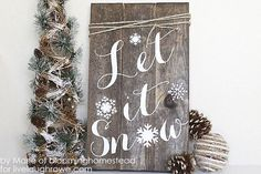 There's nothing more cozy than a farmhouse Christmas.  Here are 30 DIY projects to help you get that rustic Christmas look you've been dreaming about! Christmas Projects, Diy Christmas, Christmas Signs, Homemade Christmas Gifts, Rustic Christmas, Christmas Crafts, Natural Christmas, White Christmas, Christmas Snowflakes