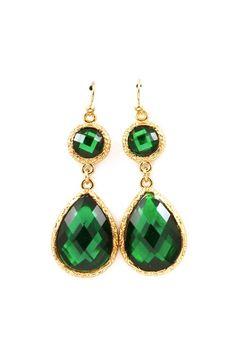 Emerald and gold teardrop earrings  #goldandemerald #earings #jewel