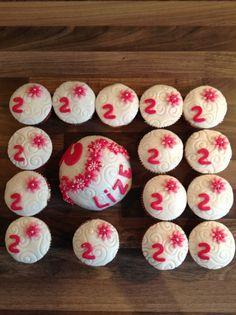 Cupcake's met boltaartje roze