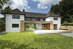 Classical English House with Modern Extension by AR Design December along a leafy lane on the outskirts of Winchester sits The Runners House. This classical English house was transform. Architecture Design, Studios Architecture, Layouts Casa, House Layouts, Style At Home, Design Exterior, English House, House Extensions, Modern House Design