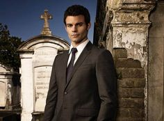 """Originals Star Daniel Gillies on Fatherhood: """"I'd Give Up Acting in a Heartbeat"""" (VIDEO) http://sulia.com/channel/vampire-diaries/f/636c27ef-e282-4dd7-ae01-091aa7314dee/?source=pin&action=share&btn=small&form_factor=desktop&pinner=54575851"""
