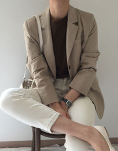 Classic Outfits, Casual Outfits, Blazer Fashion, Fashion Outfits, Look Fashion, Girl Fashion, Pijamas Women, Korean Fashion Trends, Elegant Outfit