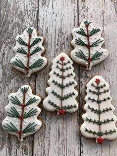 More Christmas cookies - busy weekend! - More Christmas cookies – busy weekend! Christmas Sugar Cookies, Christmas Sweets, Christmas Cooking, Noel Christmas, Christmas Goodies, Holiday Cookies, Holiday Treats, Holiday Recipes, Decorated Christmas Cookies