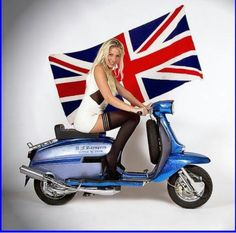 Sexy Scooter Girl - Source by Retro Scooter, Lambretta Scooter, Vespa Scooters, Piaggio Vespa, Vespa Girl, Scooter Girl, Union Jack, Retro Roller, Vespa Vintage