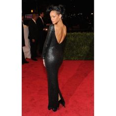 Rihanna, de Tom Ford. #MET