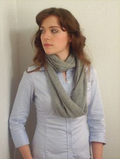 Create / Enjoy: Amazing sweater-into-infinity scarf-tutorial