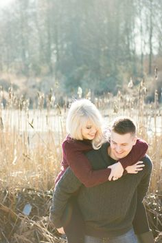 Golden light for an enchanting engagement session in the winter woods | L Estelle Photography | See more! http://heyweddinglady.com/enchanted-winter-woods-engagement-from-lestelle-photography/