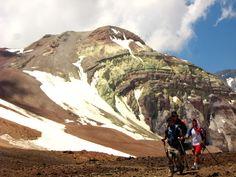 2011-12-18: 4200mt. El cerro Pintor es uno de los puntos importantes que descansan sobre el cordón de cerros que separa los valles de Yerba Loca y Molina, y que culmina hacia el norte en el cerro Plomo. (1 day)