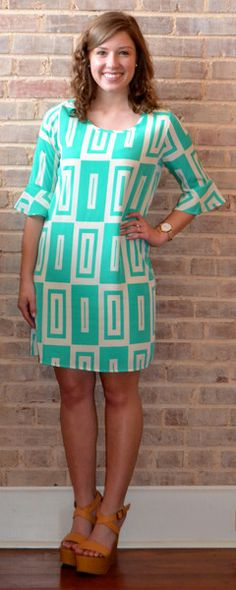Adorable green and top print dress with bell sleeves!  Perfect for Easter or a summer wedding!