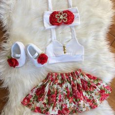 This sweet floral outfit is perfect for any special occasion. Handmade to order. No two items will be exactly the same! All of my items are made with quality fabrics and professional finishes. SIZZING Newborn to to to Kids Outfits Girls, Toddler Outfits, Girl Outfits, Cute Outfits, Floral Outfits, Cute Kids Fashion, Baby Girl Fashion, Kids Dress Wear, Toddler Girl Style