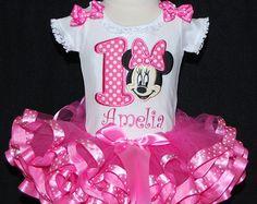 1st Birthday Adorable Minnie Mouse First por LittleKeikiBouTiki