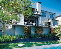 David Cruz residence.