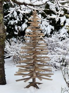 #jul #juletre #christmastree #christmas Seasoned Wood, Wood Christmas Tree, Wooden Tree, Seasons, Holidays, Outdoor Decor, Painting, Home Decor, Nature