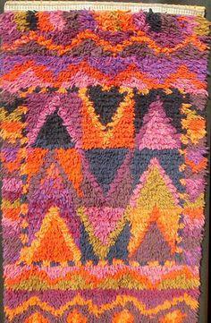 Rya Rugs - Byrdcall Studio - The Art of Rya Rug Making Loom Knitting Patterns, Knitting Tutorials, Free Knitting, Stitch Patterns, Rya Rug, Wool Rug, Weaving Textiles, Weaving Projects, Modern Love