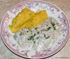 Ciulama de ciuperci Mashed Potatoes, Curry, Good Food, Chicken, Ethnic Recipes, Recipes, Whipped Potatoes, Curries, Smash Potatoes