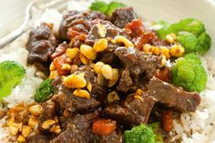 Beef with lemongrass Chinese Recipes, Chinese Food, Lemongrass Recipes, Beef Broth, Fish Sauce, Lemon Grass, Lamb, Carrots, Dinner Recipes