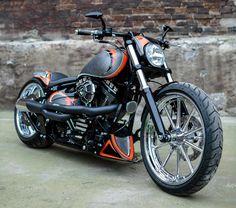 2013 'Californication' Harley-Davidson Softail FXSB Breakout Vintage. http://ninehillsmotorcycles.pl/en/ and/or http://facebook.com/media/set/?set=a.1658616381028640.1073741873.1421930961363851&type=3